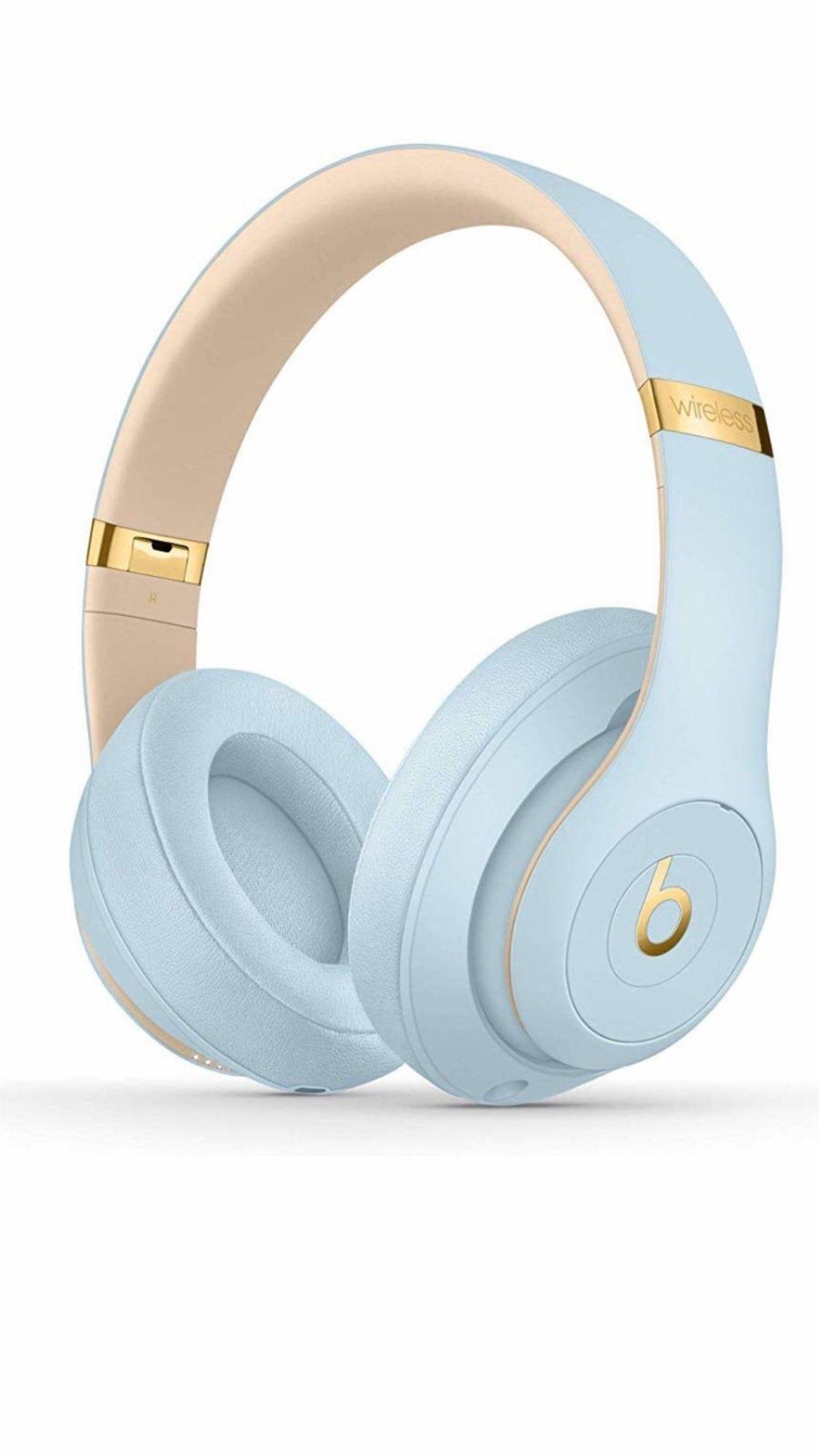 Baby Blue Beats Head Phones Studios Over In 2020 Beats Headphones Wireless Wireless Headphones Wireless Beats
