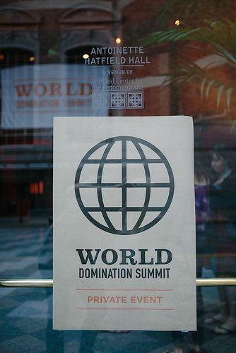 world-domination-summit-hetero-handjob-closeup