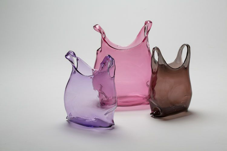 Création d'Anné Donzé et Vincent Chagnon  #handmade #madeinFrance #handcrafted #faitmain #creation #contemporain #contemporary #verre #glass #glassart #SalonRevelations #metiersdart #sculpture #verrier