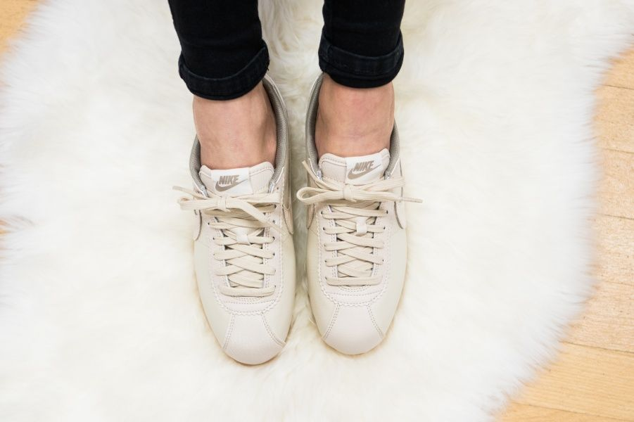 Nike - W Classic Cortez Leather Lux Oatmeal - 861660-100  8ae8d6c92a