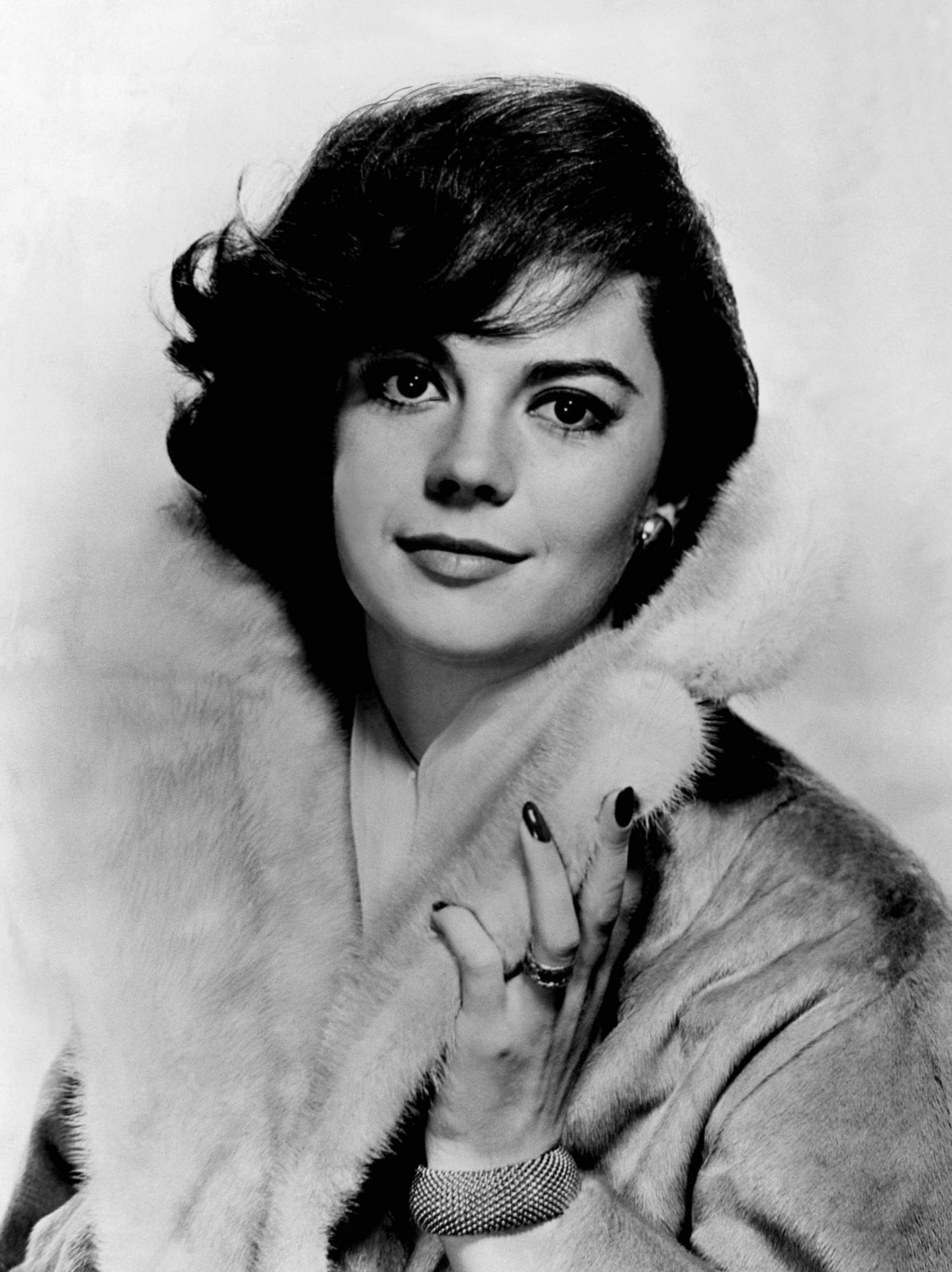 Pin by natalie on prom old hollywood pinterest - Natalie Wood She Was So Strikingly Beautiful Vintage Hollywoodhollywood