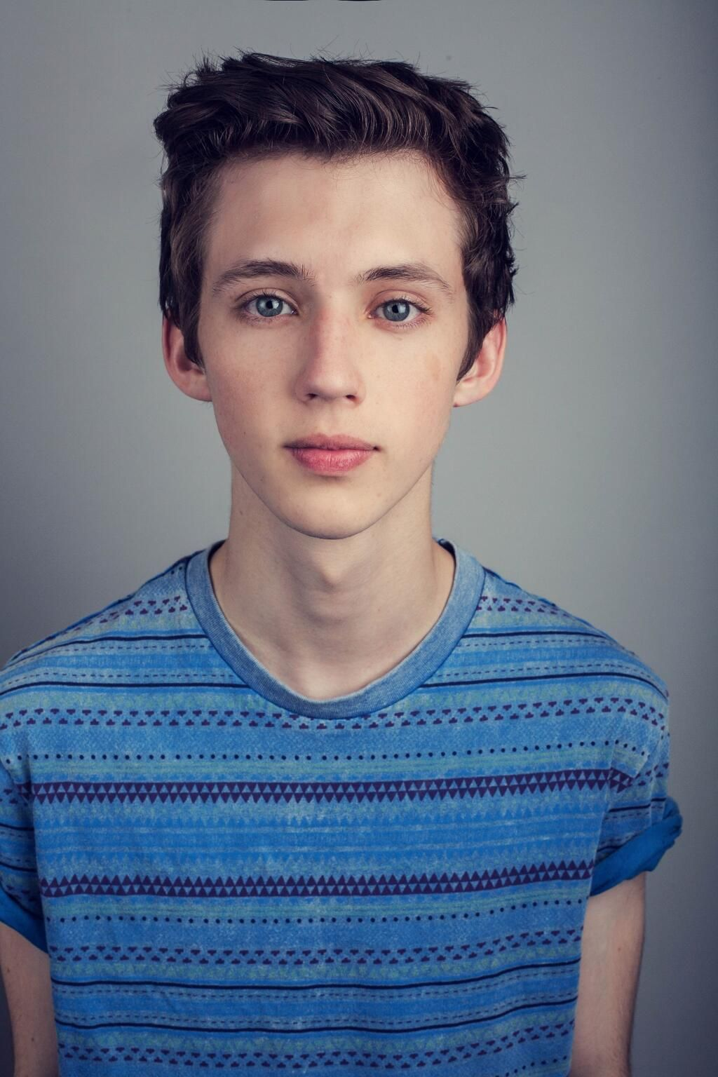 Troye Sivan! I love him so much why the heck does he have ...
