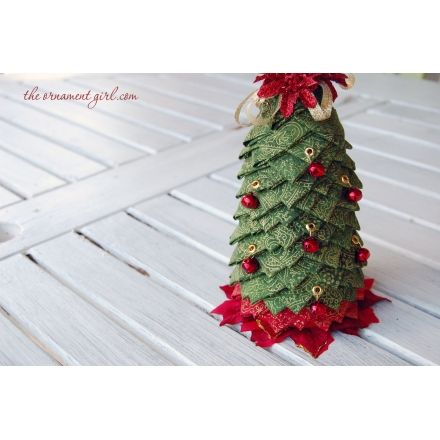 Quilted fabric tree pattern | folded fabric tree tutorial | how to make a quilted fabric tree | The Ornament Girl