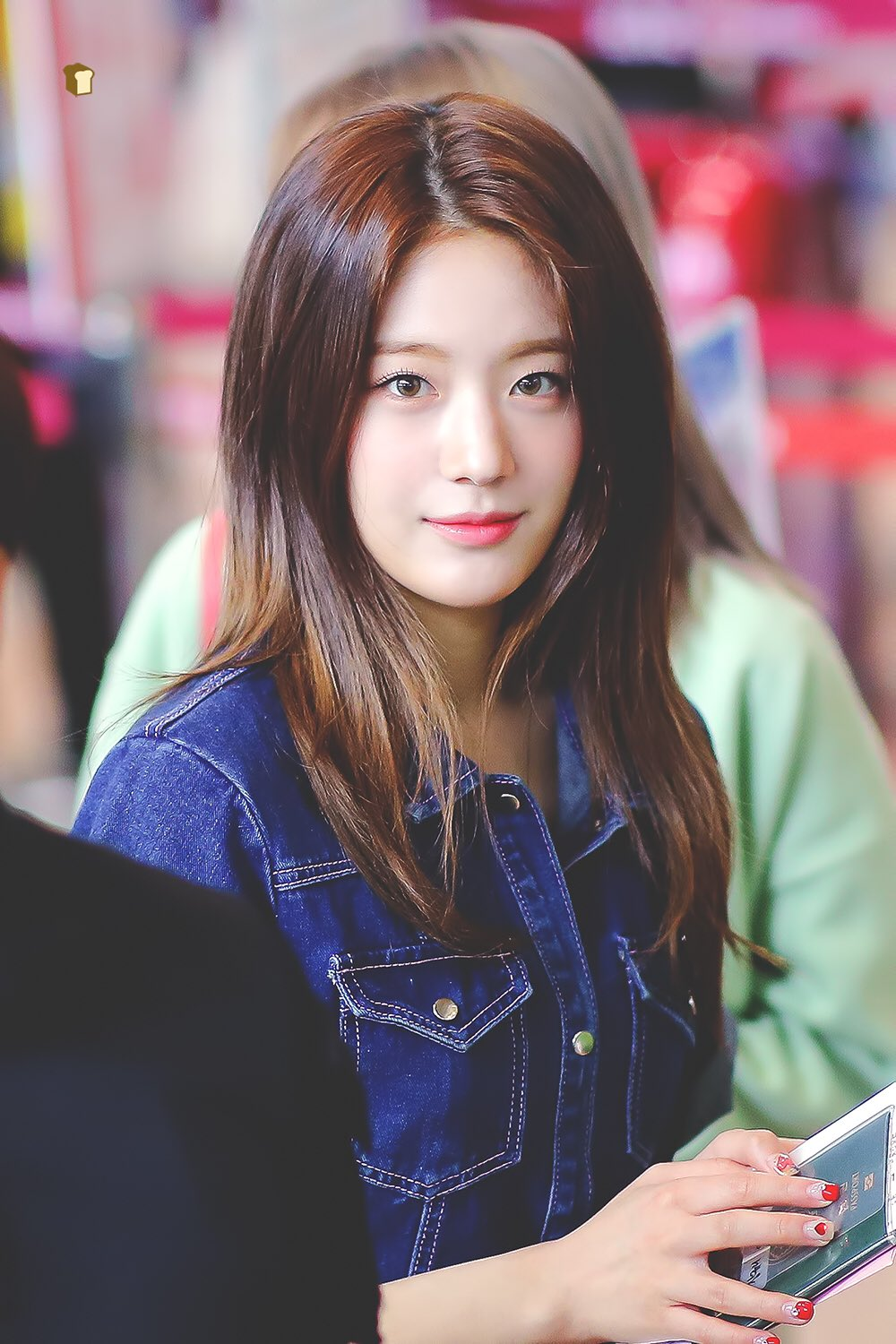 Pin By Austin On Fromis 9 Girl Korean Girl Groups Actresses