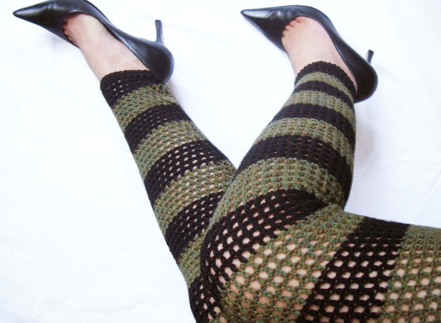 Mad hatter wool crochet leggings size large olive black mad hatter wool crochet leggings size large olive black stripes footless tights bankloansurffo Image collections