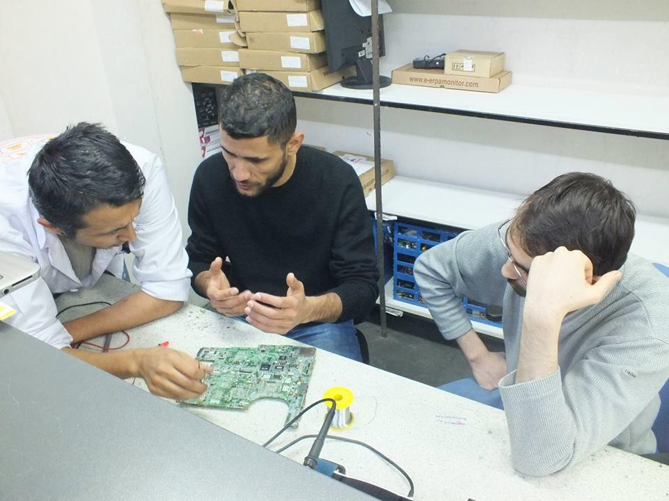 Eğtimlerimizden kareler... https://www.facebook.com/media/set/?set=a.757031604327022.1073741836.642572102439640&type=1  #bilgisayar #eğitim #öğretim #teknoloji #laptop #arıza #bakım