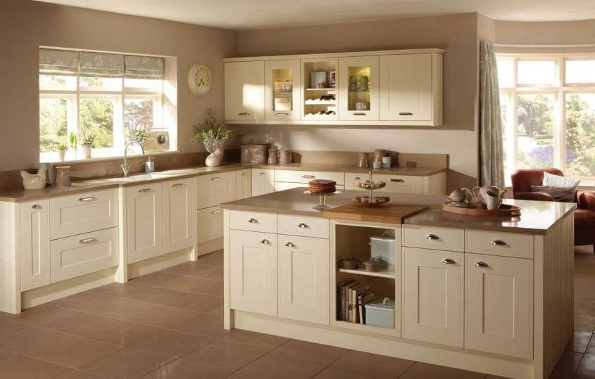 Arredare In Bianco E Beige Cucina Beige Arredo Interni Cucina Arredamento
