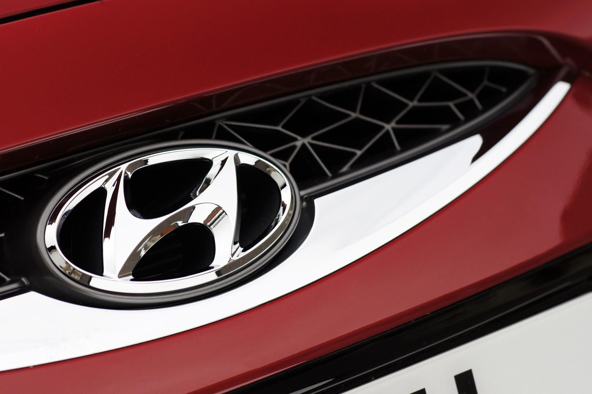 Hyundai Logo Wallpaper Hd Hyundai Logo Hyundai Car Symbols [ 1278 x 1920 Pixel ]