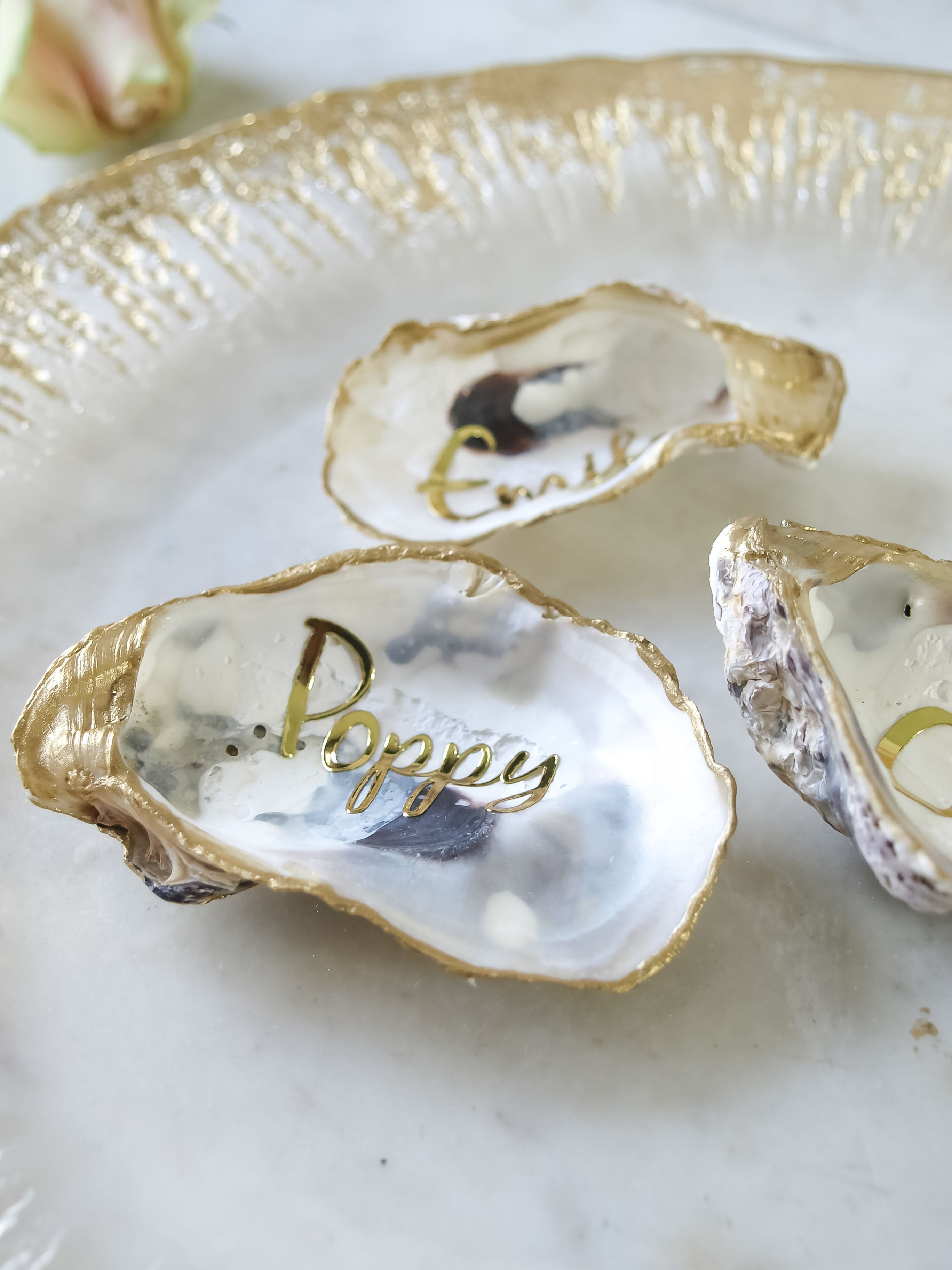Such Pretty Oyster Shell Favours For A Sophisticated Wedding Table