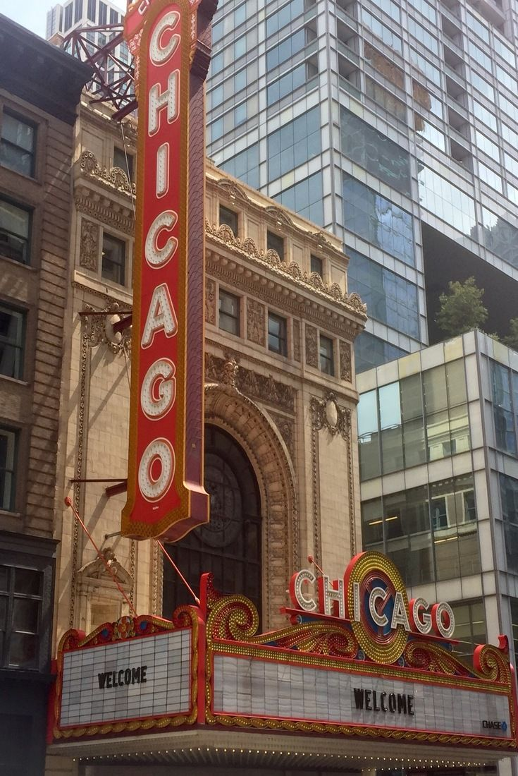 Chicago Restaurants Near S Most Famous Landmarks And Tourist Attractions Go Beyond Pizza Hot