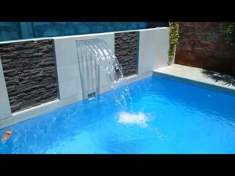 Cascada piscina moderna pesquisa google piletas for Disenos de cascadas para piscinas