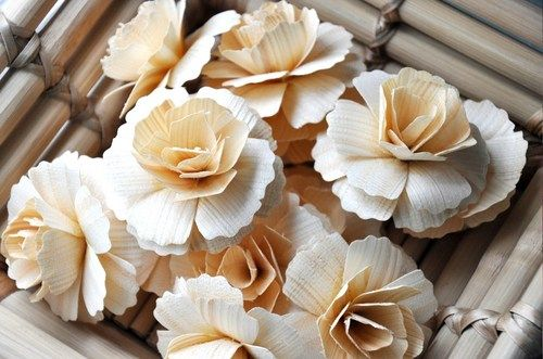 Natural Colored Carnations made of Birch wood Shavings