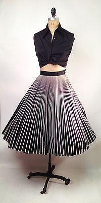 Vintage. 50S Black & White Cotton Circle Skirt