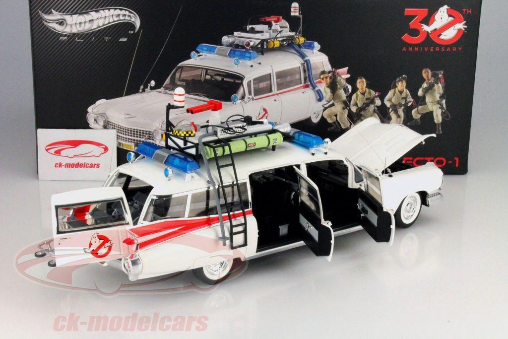 Hersteller: HotWheels Elite Maßstab: 1:18 Fahrzeug: Cadillac Ecto 1 Serie: Ghostbusters Movie Car 1984 Baujahr: 1984 Artikelnummer: BLY25 EAN 746775375355