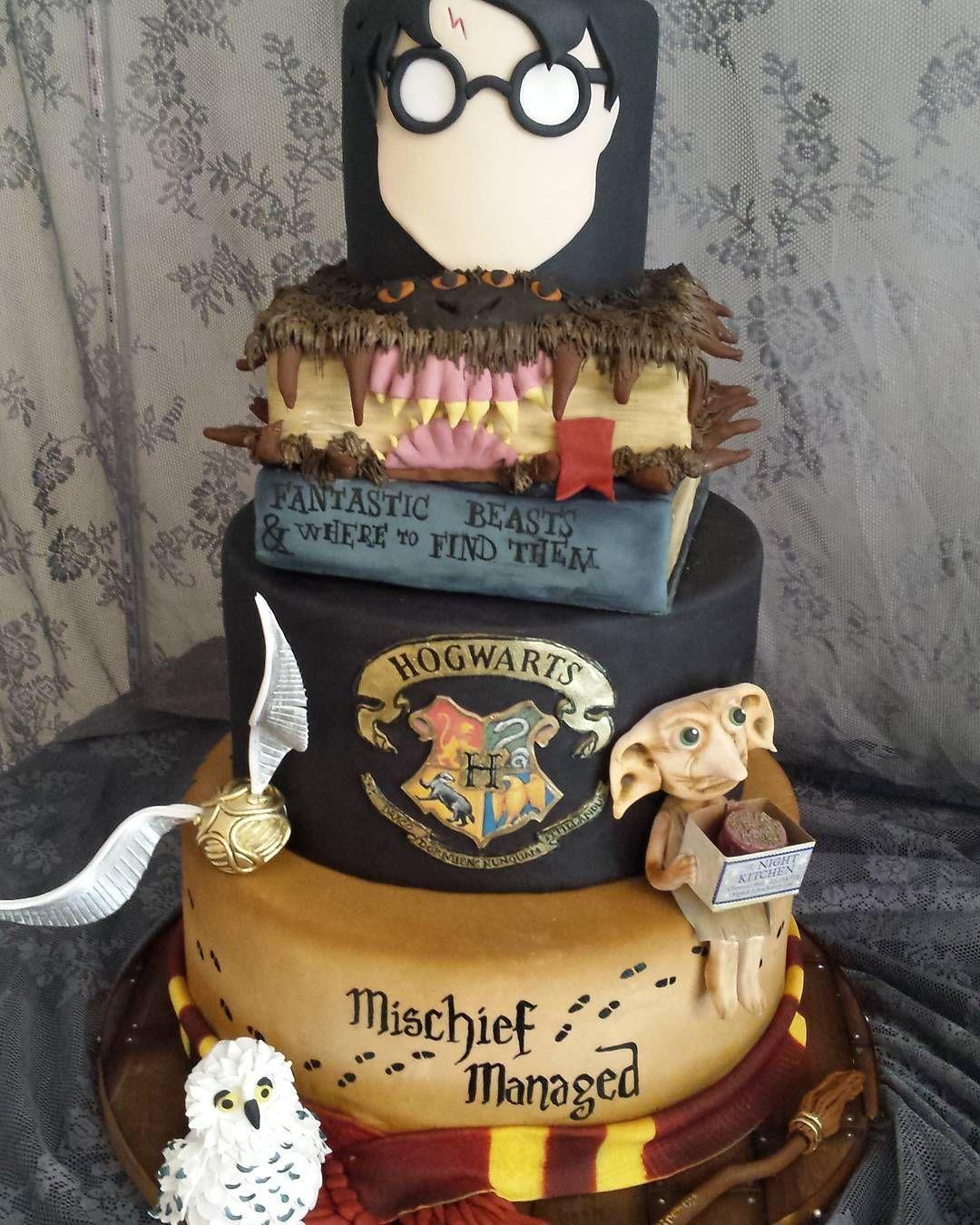 Harry Potter World Wedding: Harry Potter Wedding Cake In 2019