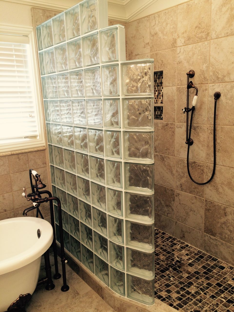5 Out Of The Box Remodeling Tips For A Master Bathroom Curved Glass Freestanding Tub And