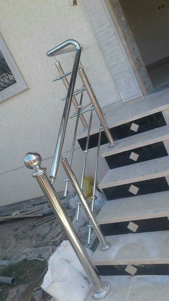 Pin By Your Rescuer On Home Decor Steel Railing Design Balcony Glass Design Stainless Steel Handrail