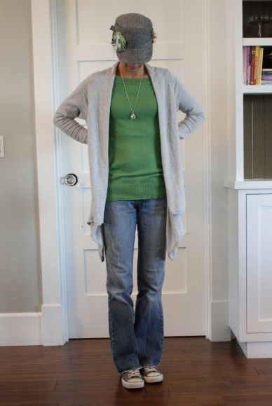 I want to wear this every day!  Love all of it - sweater, cardi, necklace, jeans, and especially the hat w/ posy pin from the Pleated Poppy!!