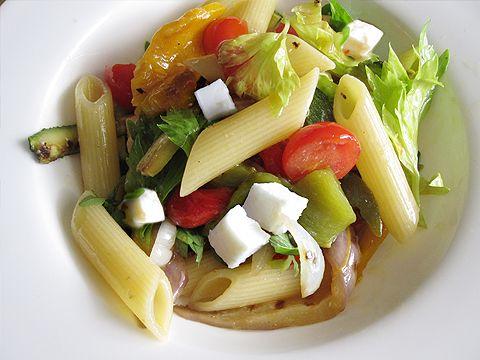 Summer #pasta con #verdure grigliate e #feta   @Cosa si mangia