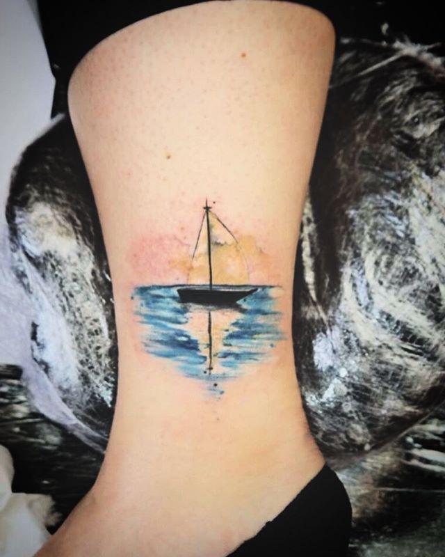 Little boat done today ! #naiomitattoo #equilattera #studioxiii #boatwatercolor #boattattoo #watercolortattoo #