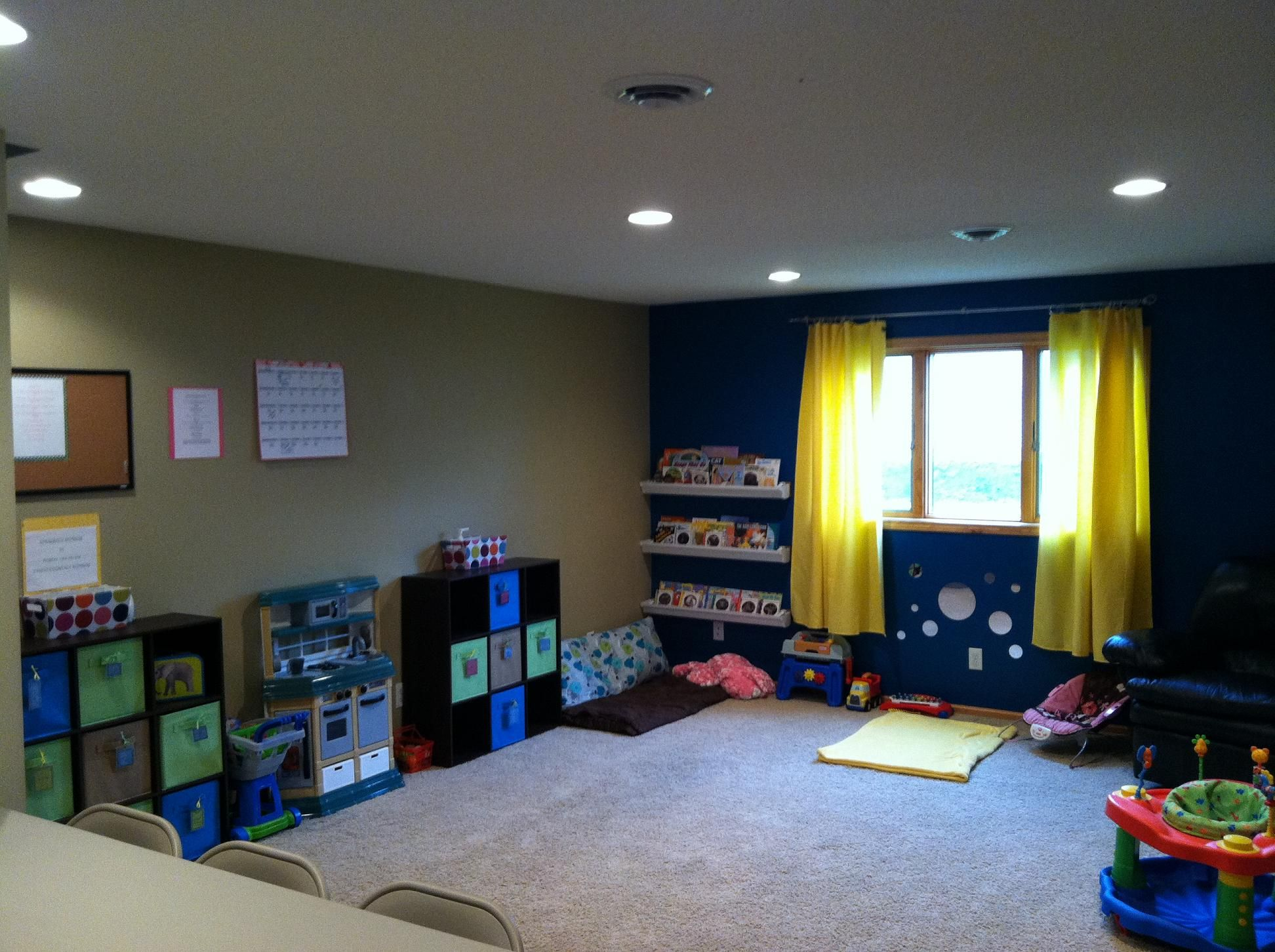 In home daycare layout 2 alissa 39 s day care center Dacare room designs
