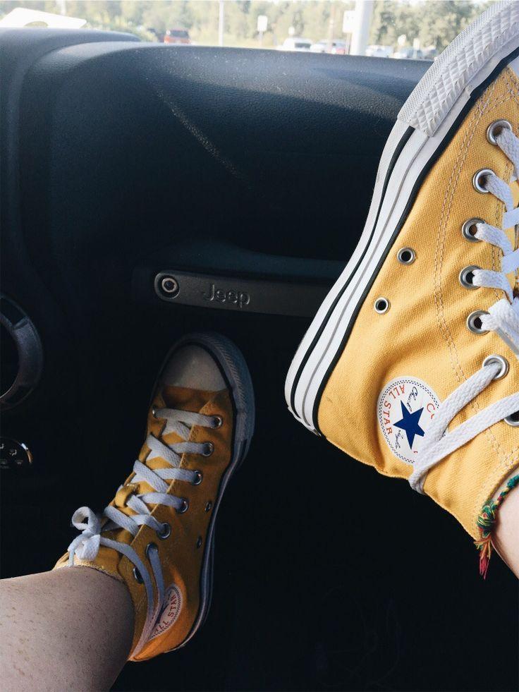converse scarpe gialle