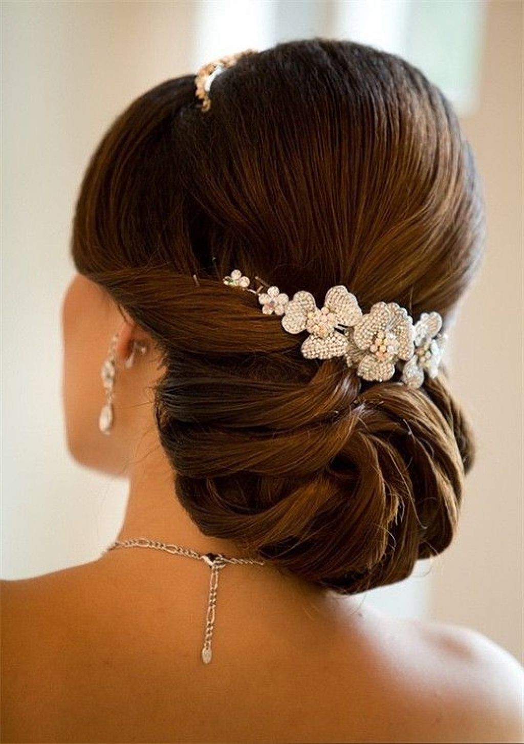 40 Chic Wedding Hair Updos For Elegant Brides Elegant Bun