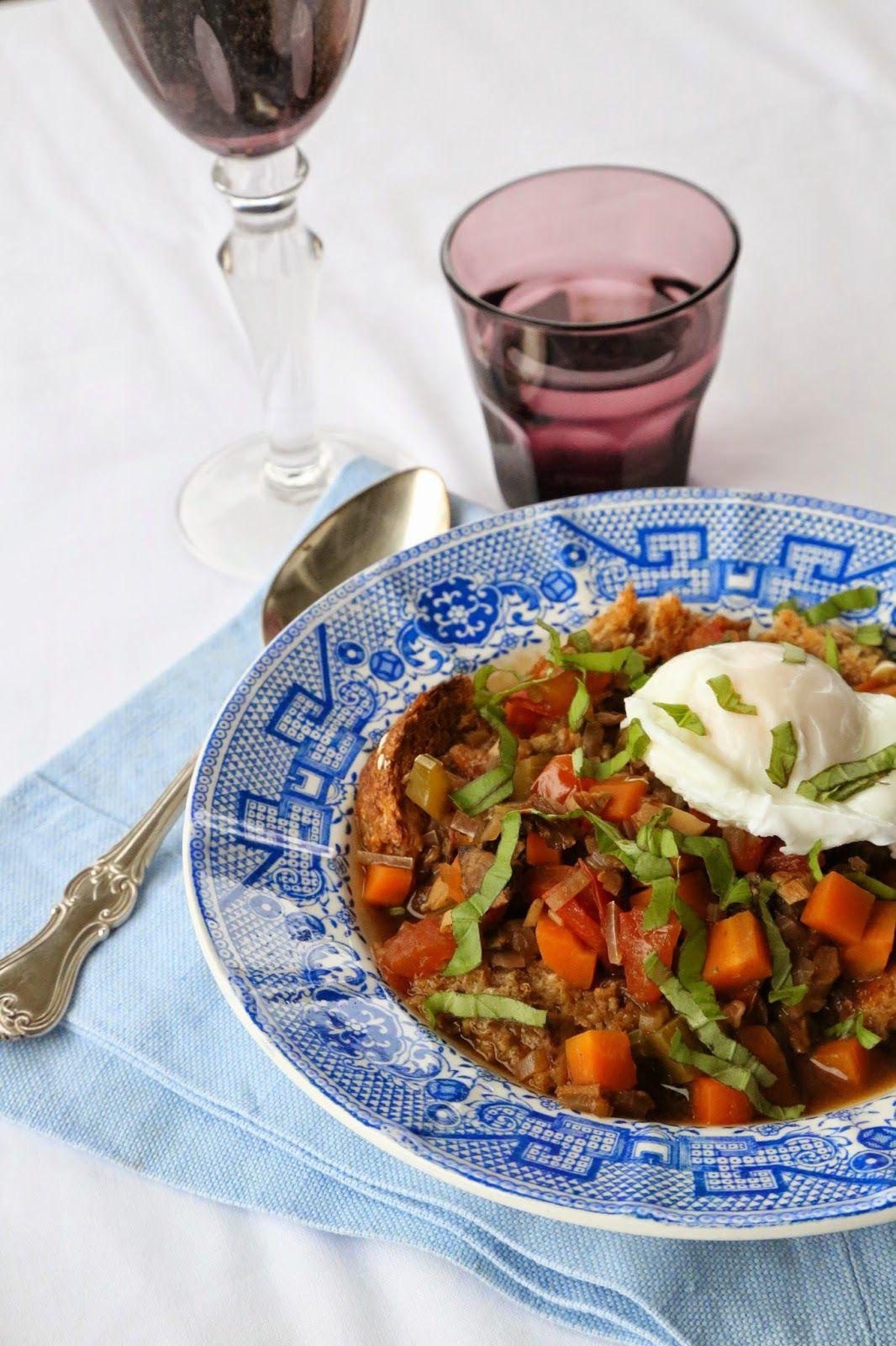 Marias Salt og Søtt: Acquacotta - toscansk grønnsakssuppe med brød og posjert egg