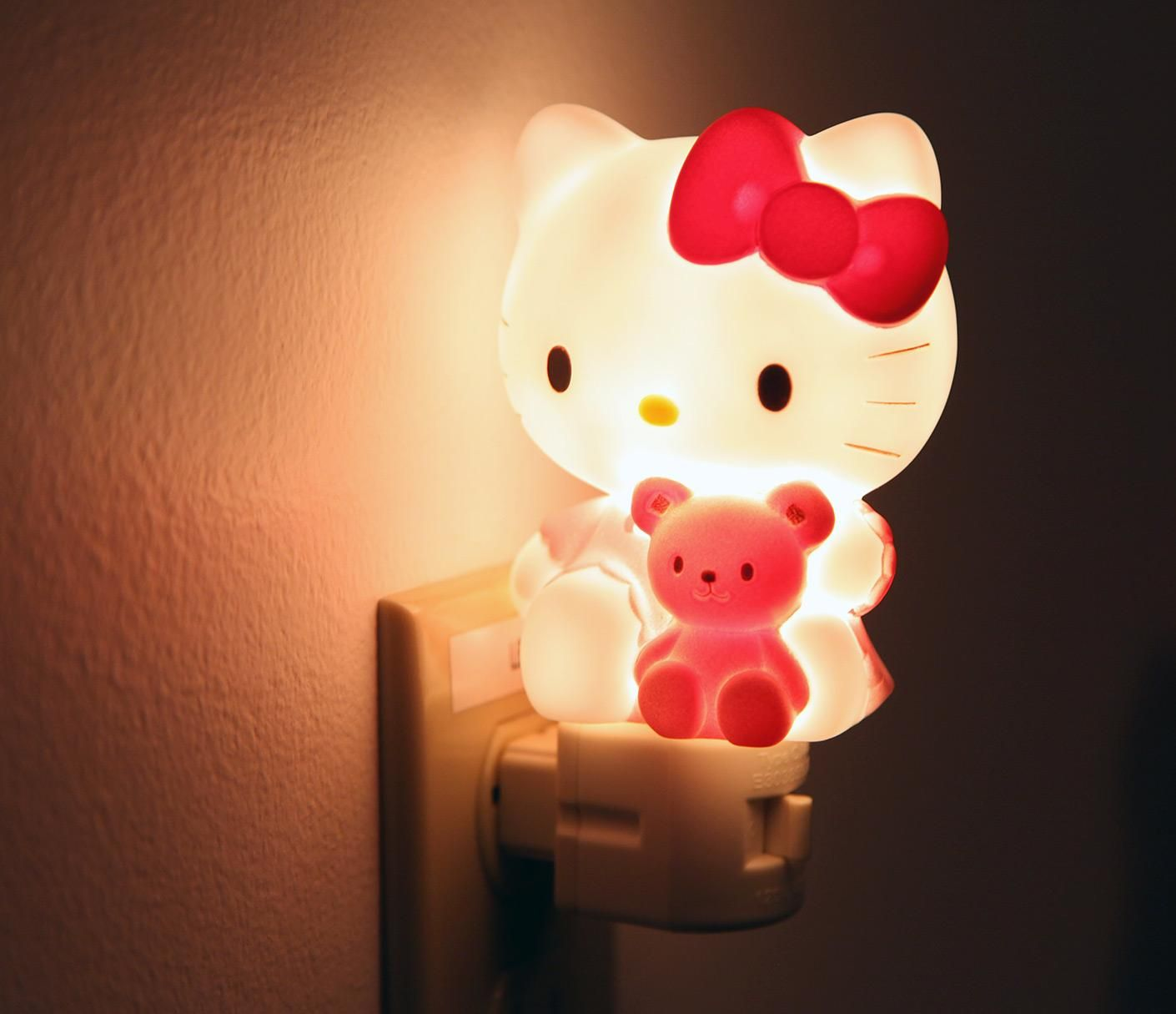the hello kitty night light find your way at night. Black Bedroom Furniture Sets. Home Design Ideas
