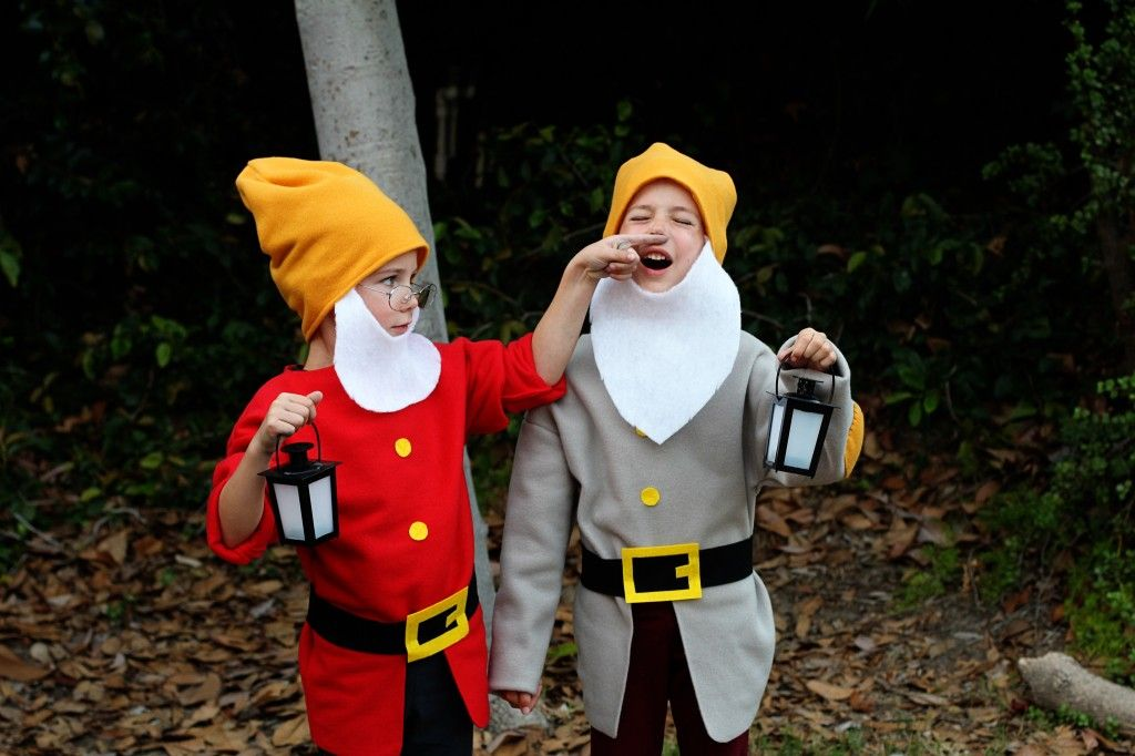 Diy do it yourself tutorial snow whites dwarfs and prince costumes diy do it yourself tutorial snow whites dwarfs and prince costumes great for family solutioingenieria