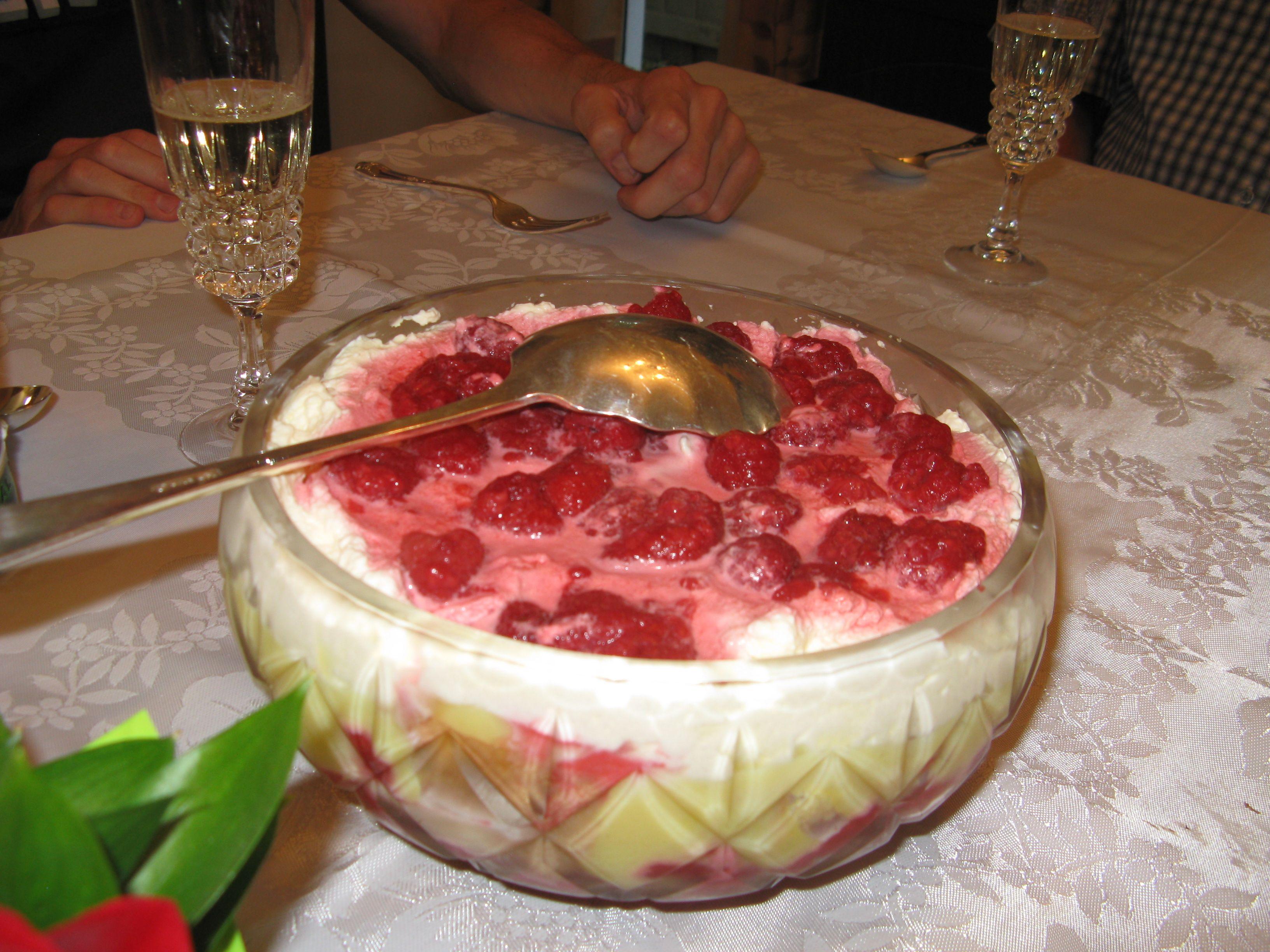 Mum's Trifle