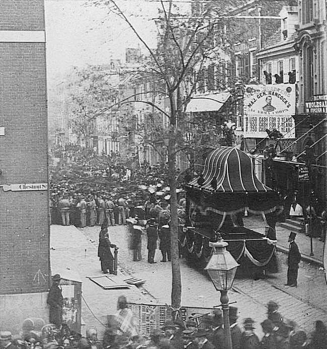 1865. Abraham Lincoln temetési menete Springfieldben.
