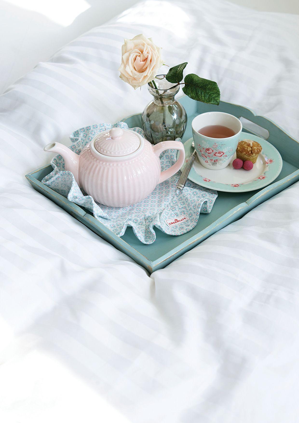 Greengate: ALL DAY; EVERYDAY! Gerade in der kalten hälfte des Jahres genießen wir unseren Tee aus der hübschen Teekanne aus der Greengate Everyday Kollektion!