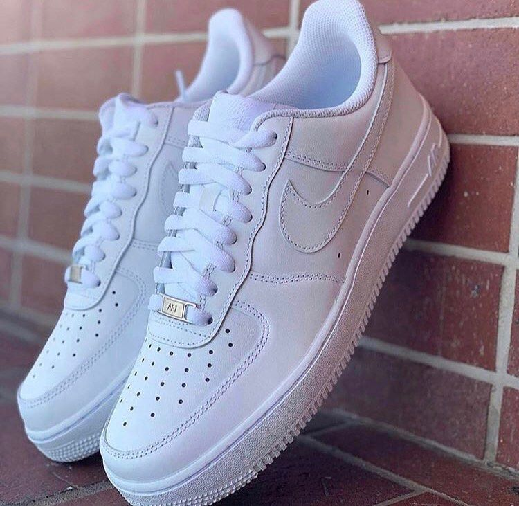 Nike Air Force 1 07 in weiss – 315122-111