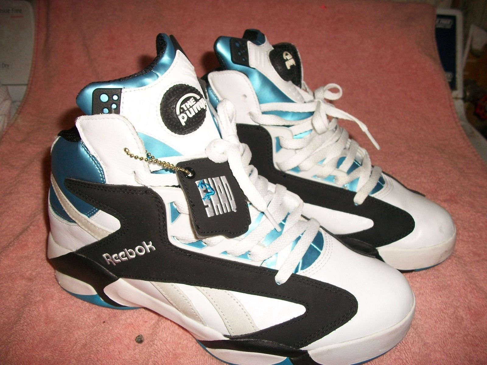 2b2da7ca18a MEN S REEBOK SHAQ ATTACK CLASSICS PUMPS WORN ABOUT TWICE SIZE 10 IN BOX  PERFECT