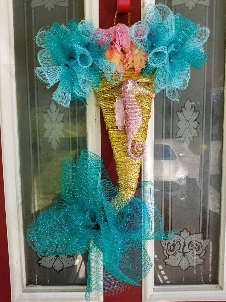 Mermaid tail wreath for the front door, mermaid tail door hanger, mermaid wreath, summer wreath, mermaid bedroom decor, Mothers day wreath