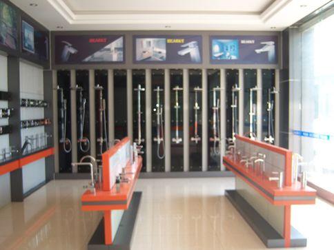 sanitary ware showroom - Google Search | Sanitary Showroom ...