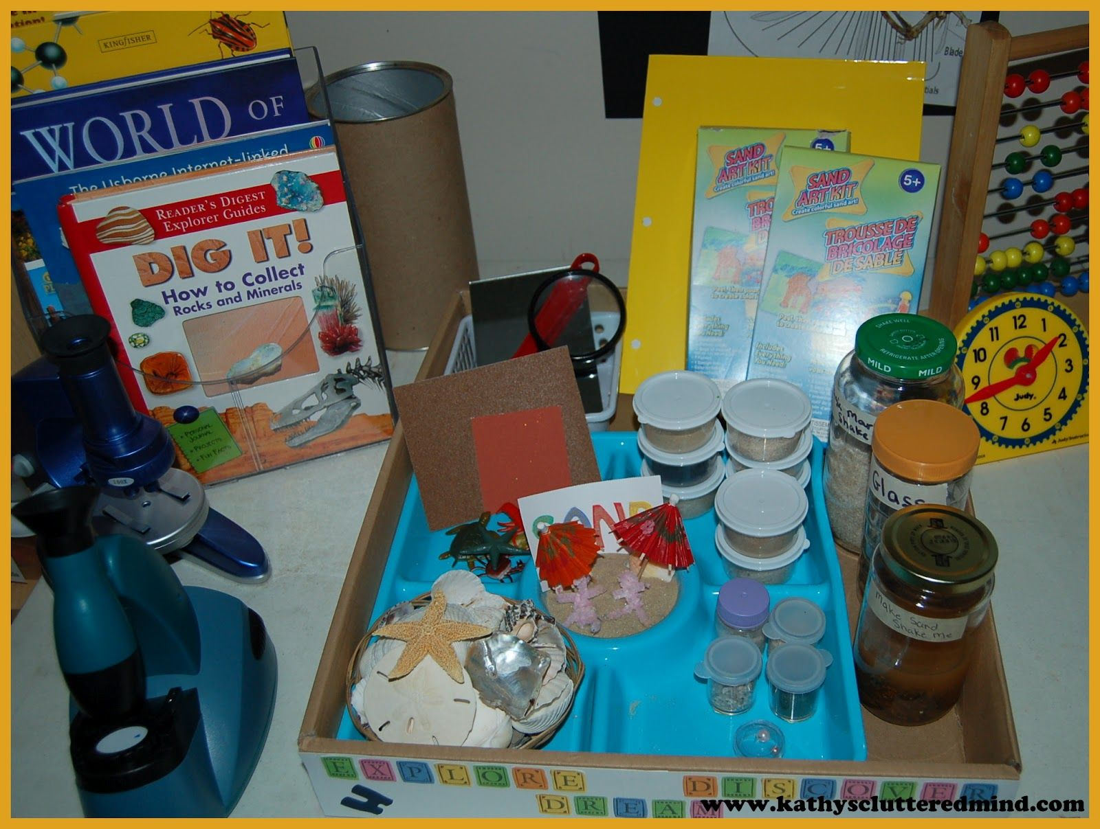 Kathys Cluttered Mind: Unit Study Exploration Box.  Great idea for creating a discovery box to coincide with your current unit study topic.