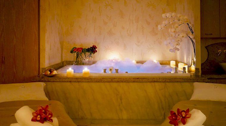 Spa at Wynn Macau Treatment Room Tub MTI Watersong Couples ...
