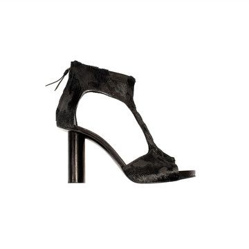 ck out this heel..