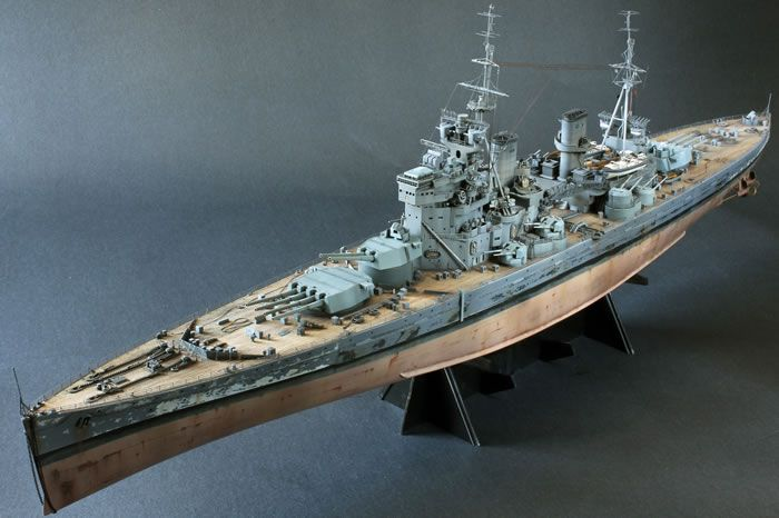 MODEL OF HMS PRINCE OF WALES BATTLESHIP Royal Navy King V Class Scale 1:250 WW2