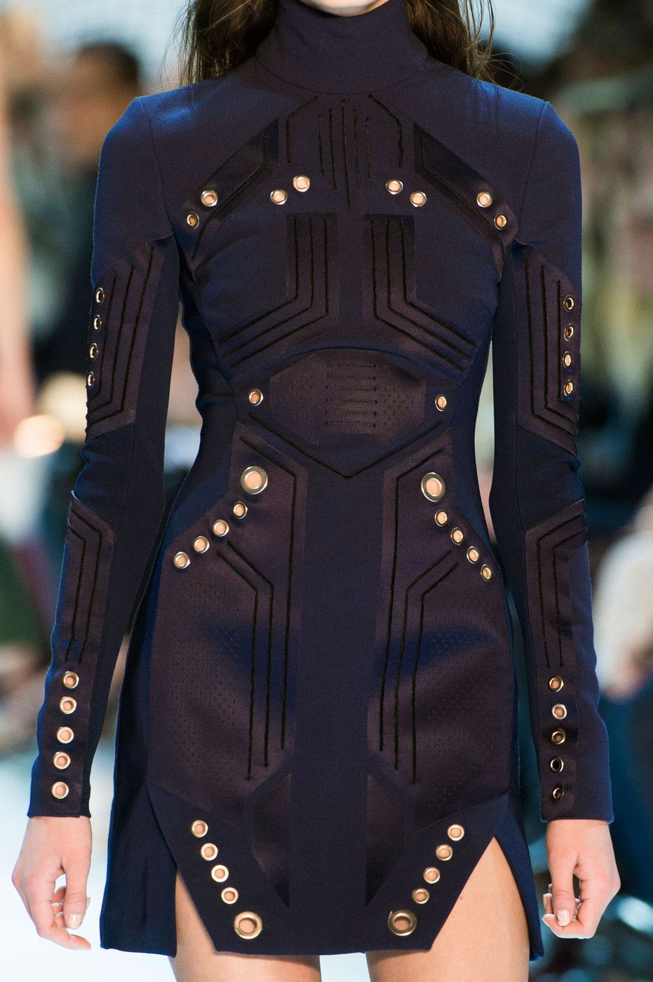 476c5ff6800 Thierry Mugler at Paris Fashion Week Fall 2015   In the details ...