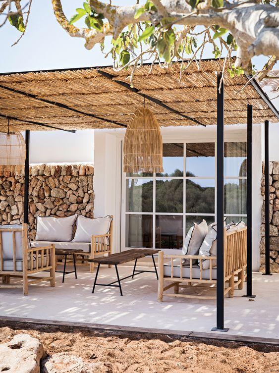 Aménager un salon dété sur sa terrasse avec un petit budget