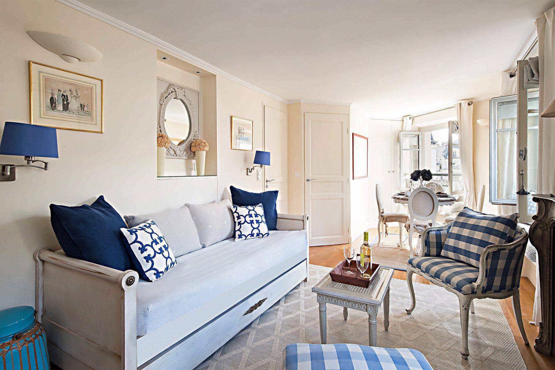 book 1 bedroom paris holiday apartment near rue cler paris perfect rh pinterest com au