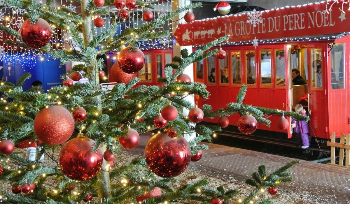 Enjoy The Holiday Spirit In Montreux Christmas Market Christmas Market Christmas Magic Holiday Spirit