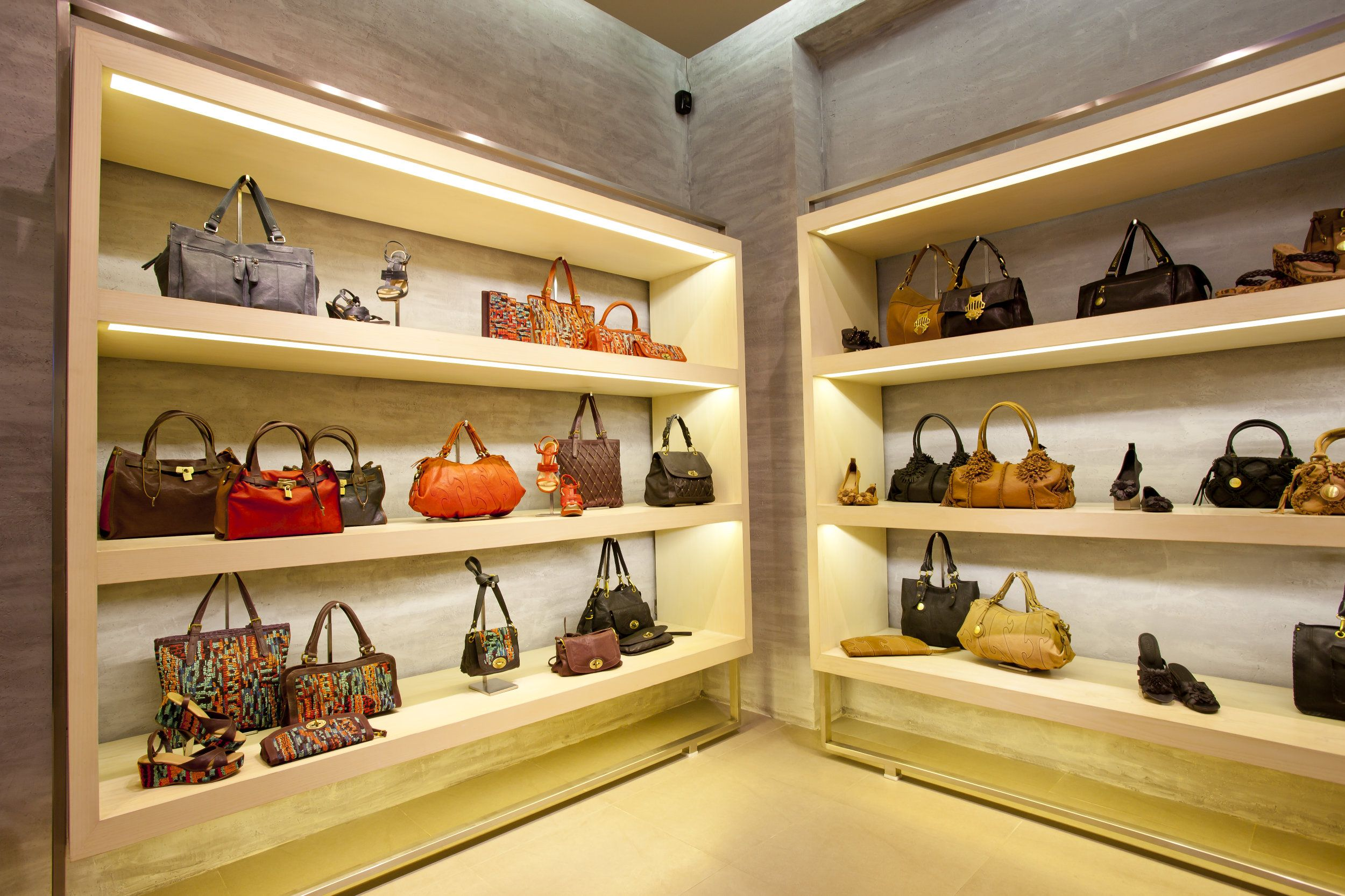 Collection of hand-bags at Eske | shop design ideas ...
