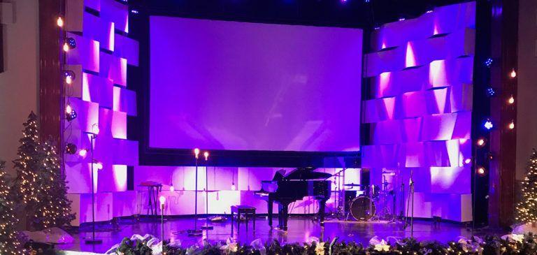 Coro Chain Christmas | Church Stage Design Ideas