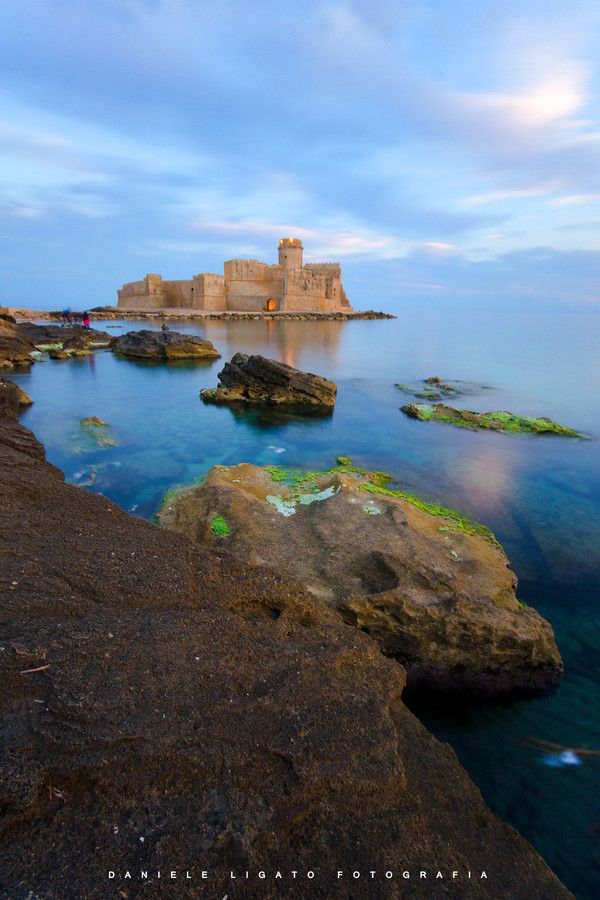 Between day and night Le Castella (KR) by Daniele Ligato