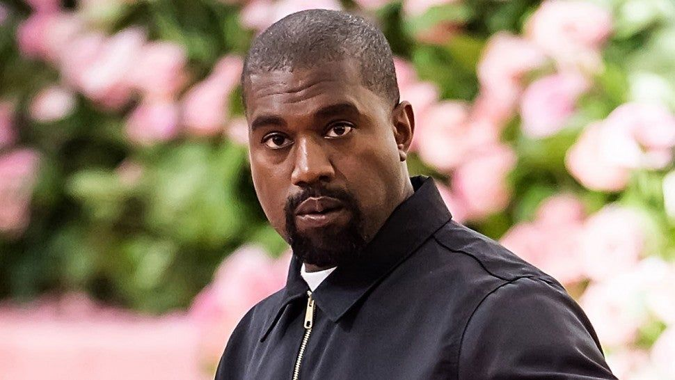 Watch Kanye West Part The Human Sea At His Sunday Service In Chicago In 2020 Kanye West Albums Kanye West And Kim New Kanye