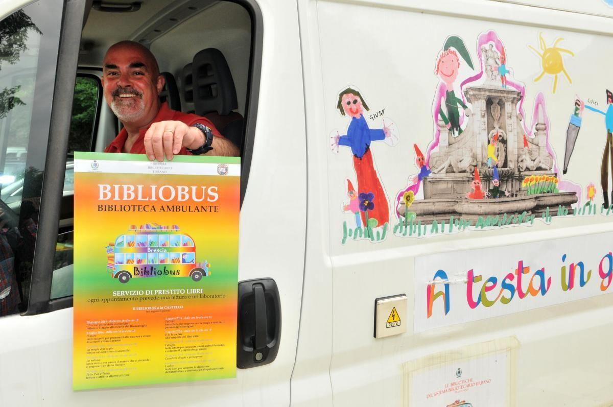 L'estate 2014 vede il debutto del Bibliobus, una delle forme più sperimentate di biblioteca itinerante che ha già raggiunto grandi città come Roma, Milano, Torino, Firenze e centri di provincia come Ferrara, Mantova, Trento.